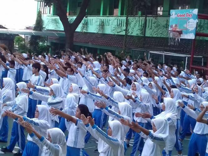 KEGIATAN SENAM SMA N 88 JAKARTA