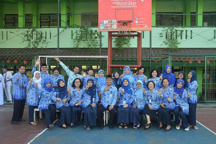 Foto Dengan GuruSMA N 88